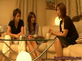 Japonsko zreli ženske imajo a trojček part4