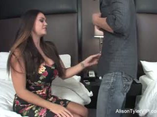 Alison tyler fucks su amigo