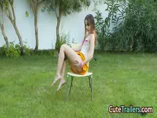 Masturbation ו - אצבוע ב the grass