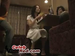 Betrunken japanisch mädchen gefickt im bar toilette betrunken
