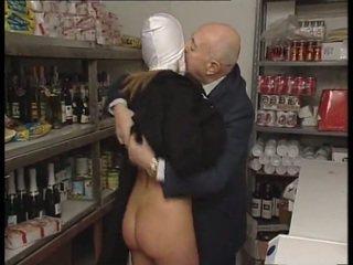 Nonne & cochon vieux homme. aucun sexe