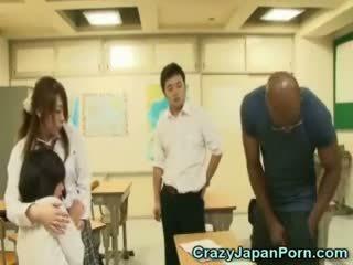 Negra fucks aluna em wtf japão porno!