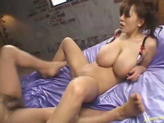 Hitomi tanaka asiatisk milf has sexy stor pupper