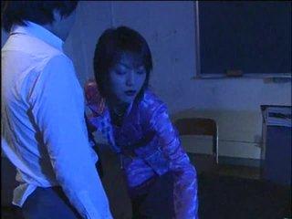 जापानी, 69, शिक्षक