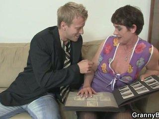 Senas moteris enjoys jojimas sunkus varpa