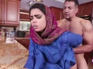 Ada sanchez gets cazzo in il cucina