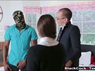יפה שחרחורת נוער amirah adara nailed על ידי ענק שחור זין