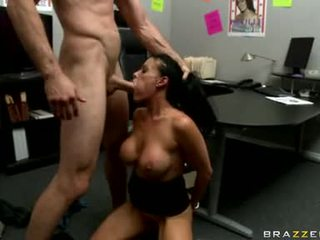 Kaakit-akit doxy vanilla deville ay getting fucked real good just tthat guy way she likes ito
