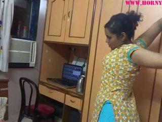Indický amatér babes lily pohlaví