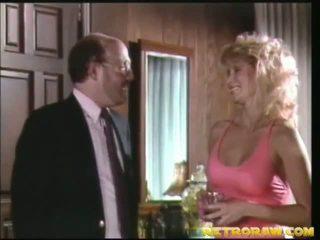 a konyhában meztelenül, retro porn, veterán sex