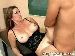 Raquel Devine Receives A Warm Load Of Jizz On Her Mouth