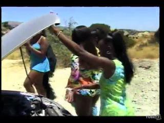 ruskeaverikkö, babes, girl-on-girl