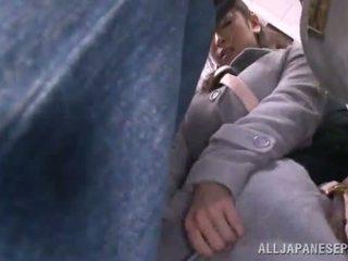Asiatic sweetie has raped în the public autobus