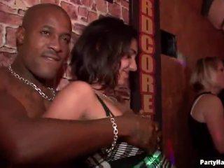 sex în public, fete de partid, club