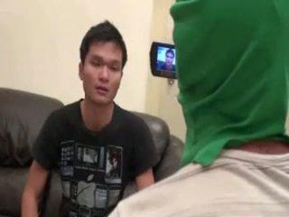 Pieprzenie i filming ładniutka tajskie chłopak