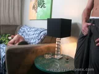 นอน roomate woken ขึ้น ไปยัง ทางเพศ สถานการณ์