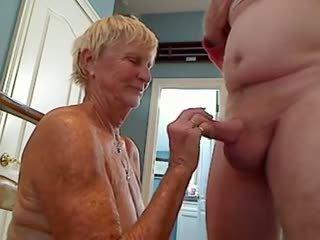 קאם, ציצים גדולים, סבתות