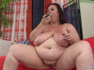 Huge Boobed Mom Stuffs Herself with a Cucumber: HD Porn 4b