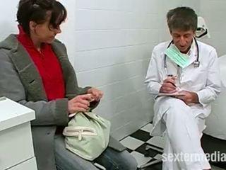 Lékař trojice s a malé teenie
