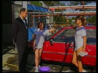 Porner premium: rjavolaska avto pranje bejbe sizzles zunaj