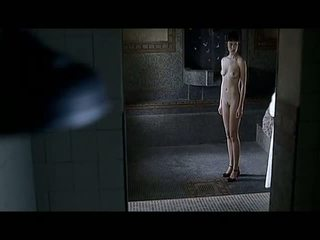 Olga kurylenko penuh frontal seks adegan