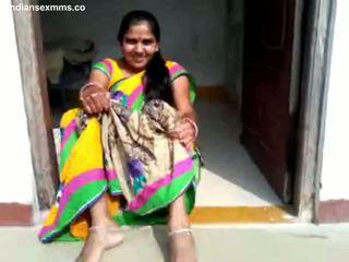 Desi aunty পাছা প্রদর্শনী এবং bj অংশ 1 সব