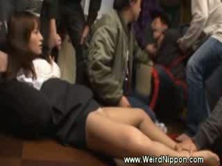 Japoneze vajzë manhandled