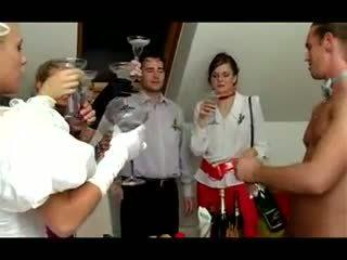 Сватба оргия: безплатно духане порно видео 40