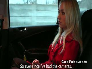Si rambut perang teman wanita menipu dalam yang fake taxi