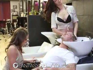 Fantasyhd - babes lily un holly būt trijatā pie beauty salon