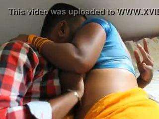 Stor bryster mahabubnagar aunty hemmelig affære wid neighbour