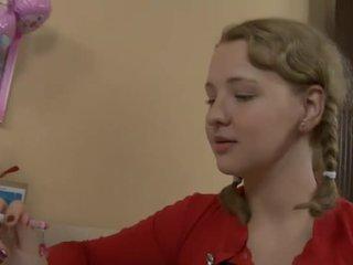 Kåt tenåring knullet av henne lærer