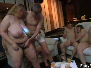 Super velika prsi maščobnih natepavanje pri bbw zabava