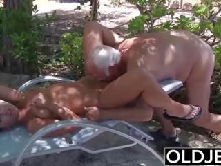 My söýgülim tutulan fucked by old man she sucks on his gotak and swallows