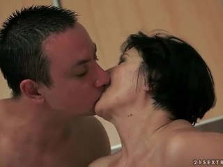 Poiss loves tema vana tüdruksõber
