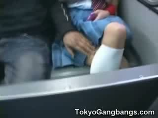 Branca miúda em japão autocarro!