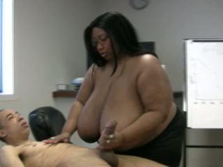 velká prsa, bbw, handjobs