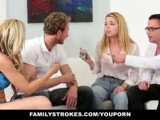 Familystrokes - famiglia gioco notte orgia