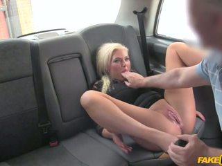 Driver apanhada wanking em roupa interior - porno vídeo 961
