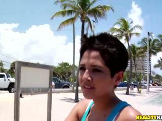 Sexy latina gaja abby escolher para cima um sexy dyde