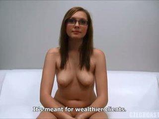 brunette meer, vers orale seks, kijken speelgoed kijken
