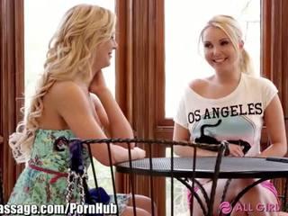 Allgirlmassage bevállalós anyuka step-mom leszbikus facesits - porn videó 031