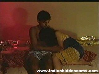 Vydaté indické pair domáce výroba láska privacy invaded podľa hiddencam