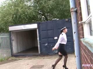 Pure xxx फिल्म्स फक्किंग एक बस्टी पोलीस महिला के लिए नहीं जुर्माना