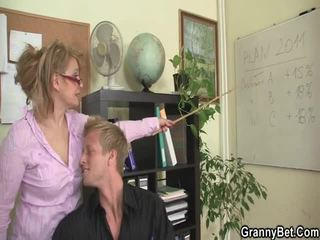 Sleaze büro screwing nicht weit aus reif female