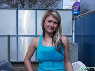 Czech girl Tracy Anderson sex for money