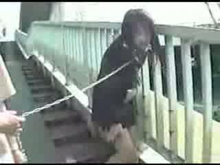 युवा जपानीस मोम shitting everywhere वीडियो