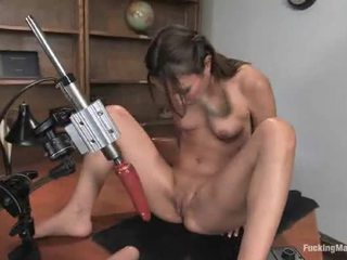 Amber Rayne Has Her Brown Eye Stretched Around The Machine!