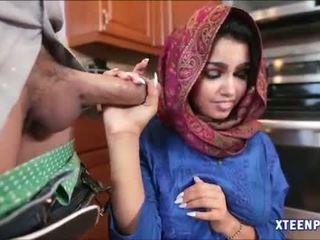 Arab hottie ada gets ju pička filled s warm cumload