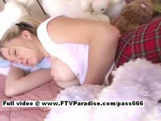 Alison van ftv babes asleeped rondborstig blondine babe gets tenen